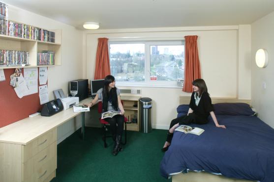 Estudantes - dividir apartamento
